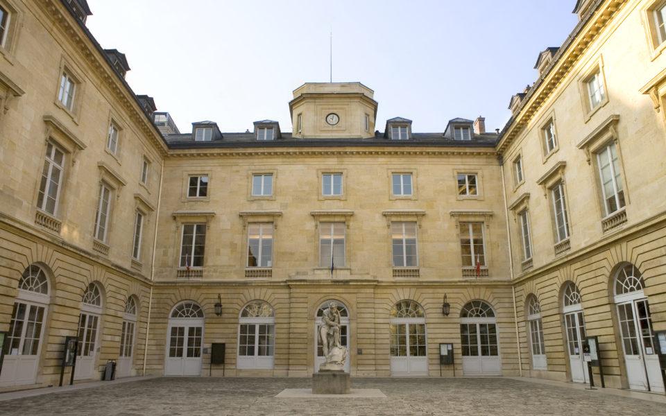 « Le Collège de France incarne l'excellence française en matière de recherche »