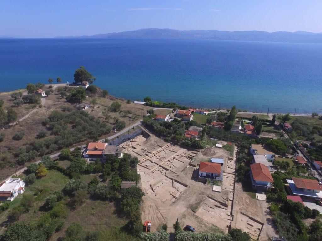 Vue-fouilles-sanctuaire-Amarynthos